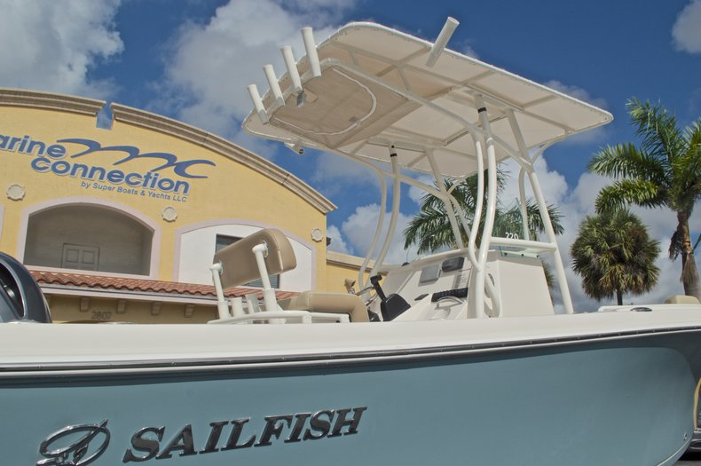 Thumbnail 8 for New 2017 Sailfish 220 CC Center Console boat for sale in West Palm Beach, FL