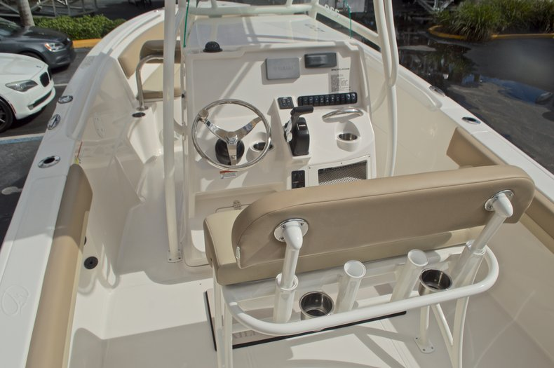 Thumbnail 9 for New 2017 Sailfish 220 CC Center Console boat for sale in West Palm Beach, FL