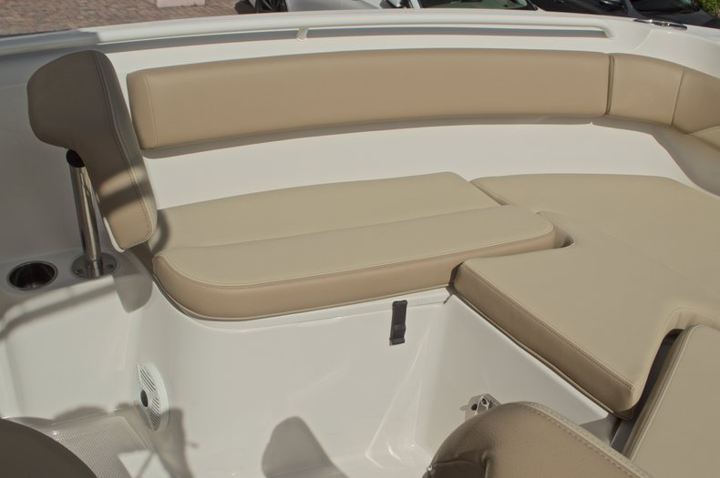 Thumbnail 39 for New 2017 Sailfish 220 CC Center Console boat for sale in West Palm Beach, FL
