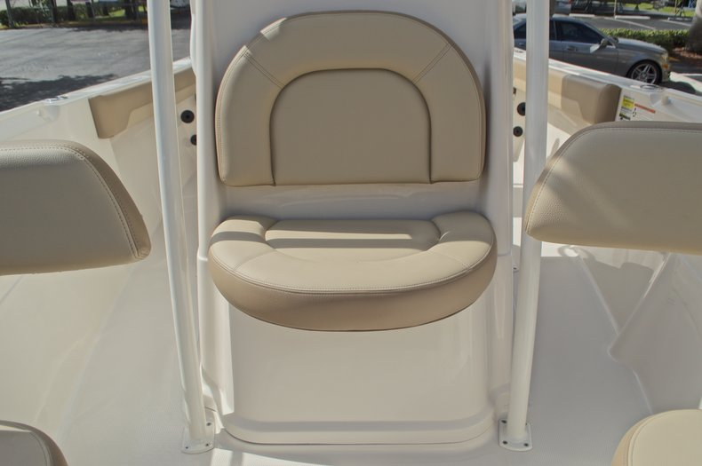 Thumbnail 38 for New 2017 Sailfish 220 CC Center Console boat for sale in West Palm Beach, FL