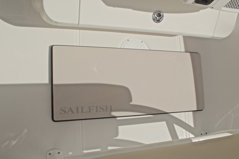 Thumbnail 32 for New 2017 Sailfish 220 CC Center Console boat for sale in West Palm Beach, FL