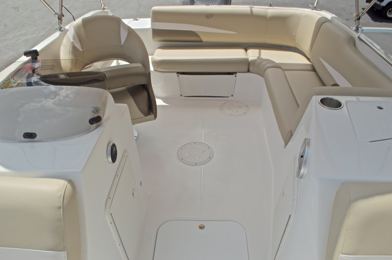 Image 9 for 2017 Hurricane SunDeck Sport SS 188 OB in West Palm Beach, FL