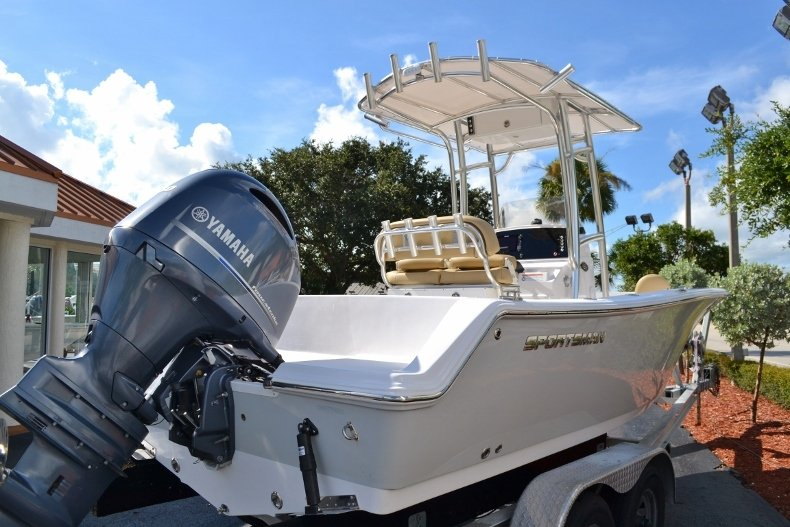 Thumbnail 4 for New 2017 Sportsman Open 212 Center Console boat for sale in West Palm Beach, FL