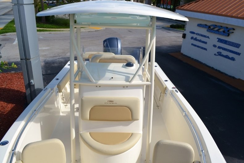 Thumbnail 17 for New 2017 Cobia 237 Center Console boat for sale in West Palm Beach, FL