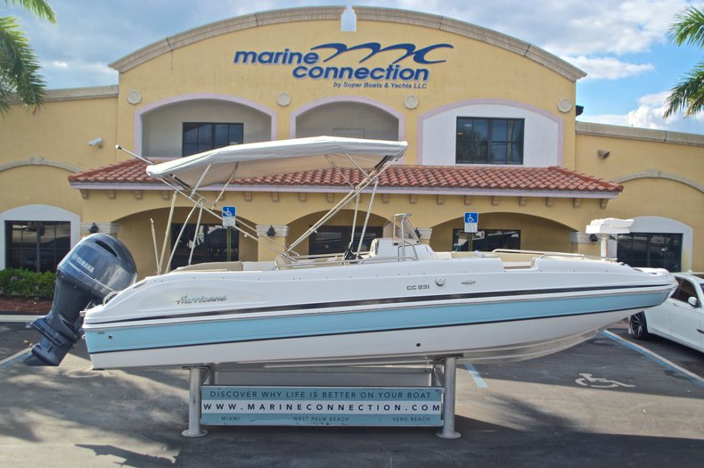 Image 0 for 2017 Hurricane Sundeck Sport SS 231 OB in West Palm Beach, FL