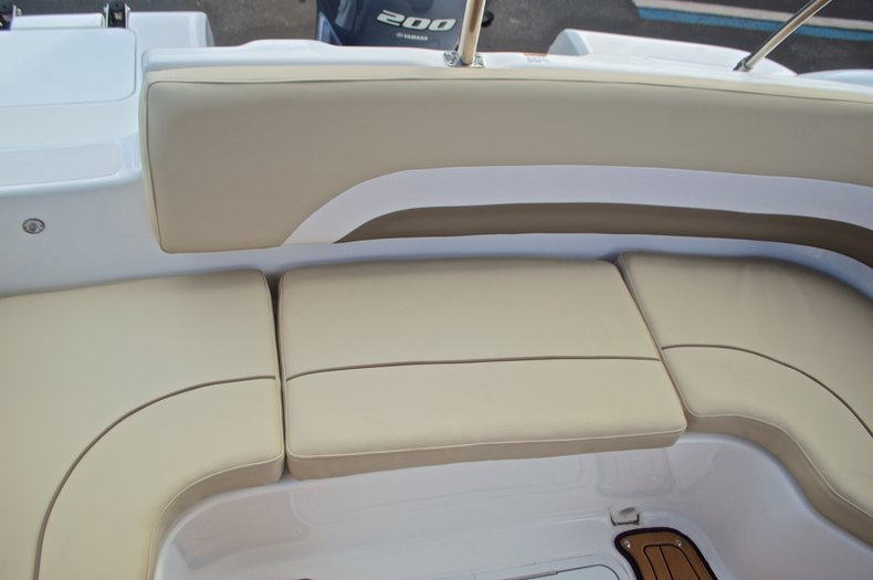 Thumbnail 15 for New 2017 Hurricane Sundeck Sport SS 231 OB boat for sale in West Palm Beach, FL