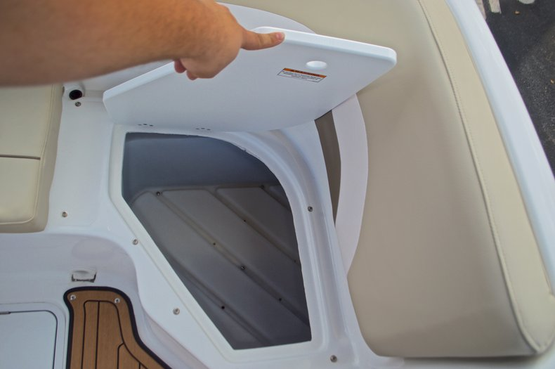 Image 18 for 2017 Hurricane Sundeck Sport SS 231 OB in West Palm Beach, FL
