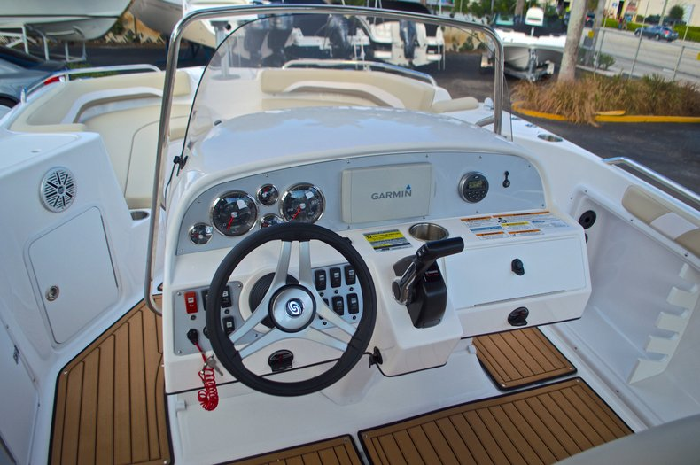 Image 25 for 2017 Hurricane Sundeck Sport SS 231 OB in West Palm Beach, FL
