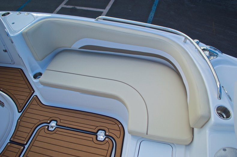 Thumbnail 45 for New 2017 Hurricane Sundeck Sport SS 231 OB boat for sale in West Palm Beach, FL