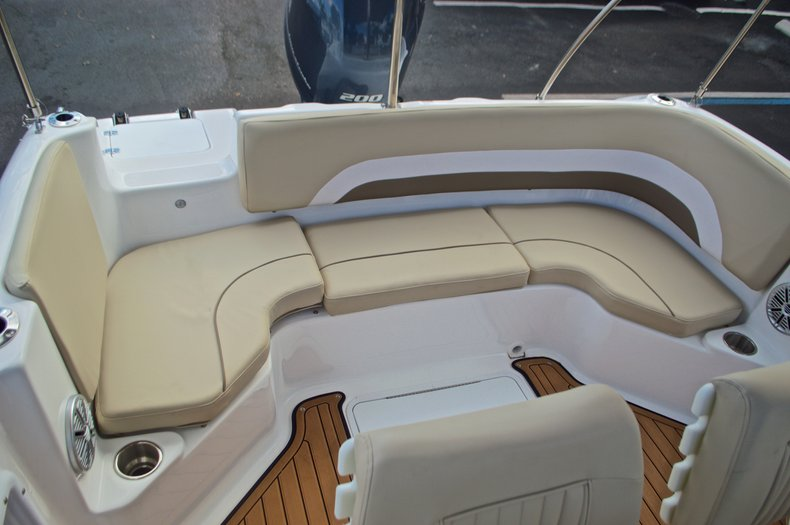 Image 9 for 2017 Hurricane Sundeck Sport SS 231 OB in West Palm Beach, FL