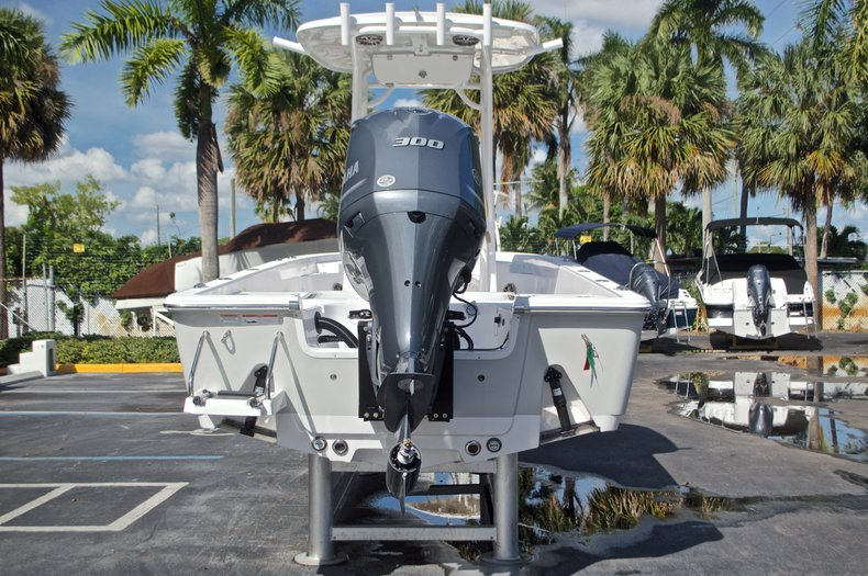 Thumbnail 8 for New 2017 Sportsman Masters 247 Bay Boat boat for sale in West Palm Beach, FL