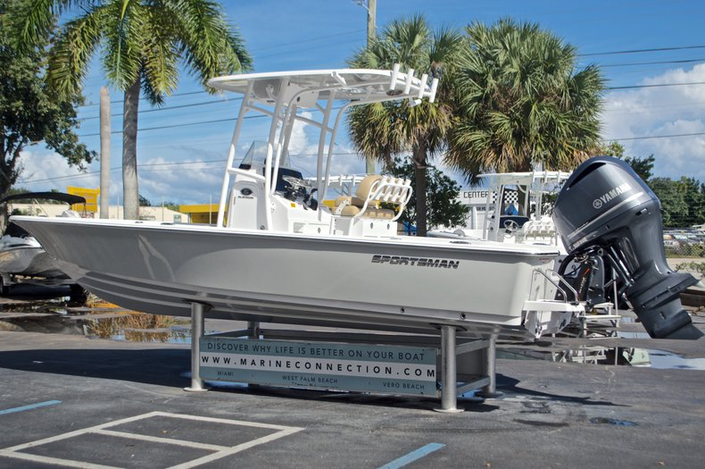Thumbnail 6 for New 2017 Sportsman Masters 247 Bay Boat boat for sale in West Palm Beach, FL
