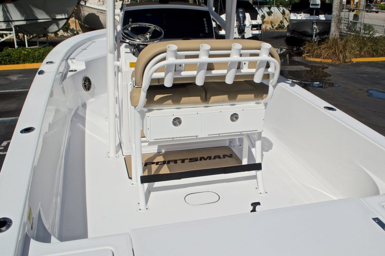 Thumbnail 11 for New 2017 Sportsman Masters 247 Bay Boat boat for sale in West Palm Beach, FL