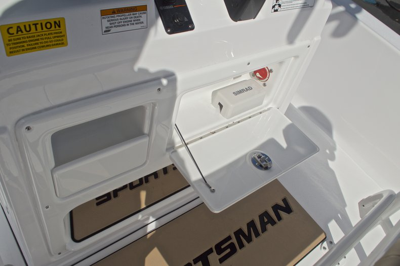 Thumbnail 38 for New 2017 Sportsman Masters 247 Bay Boat boat for sale in West Palm Beach, FL