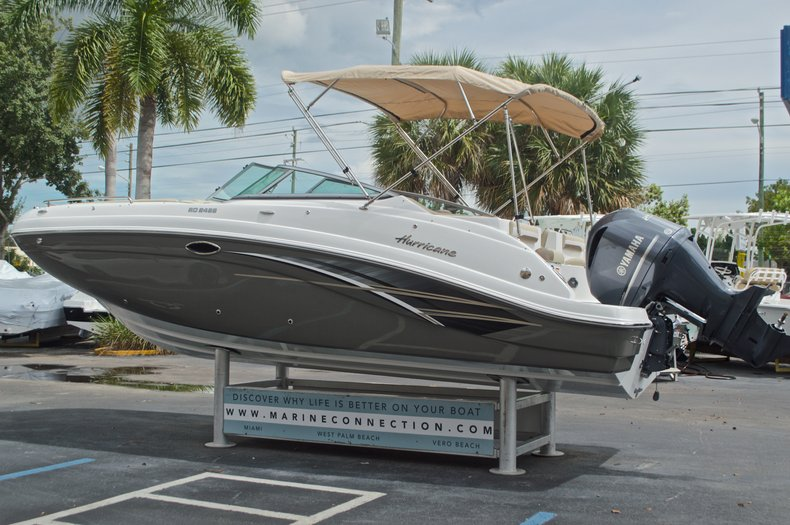Thumbnail 5 for New 2017 Hurricane SunDeck SD 2486 OB boat for sale in West Palm Beach, FL