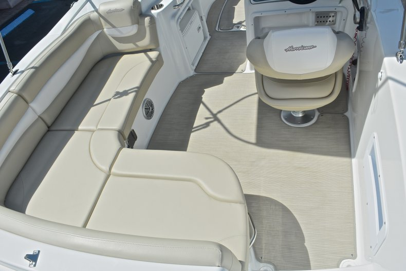Thumbnail 12 for New 2017 Hurricane 203 SunDeck Sport OB boat for sale in West Palm Beach, FL