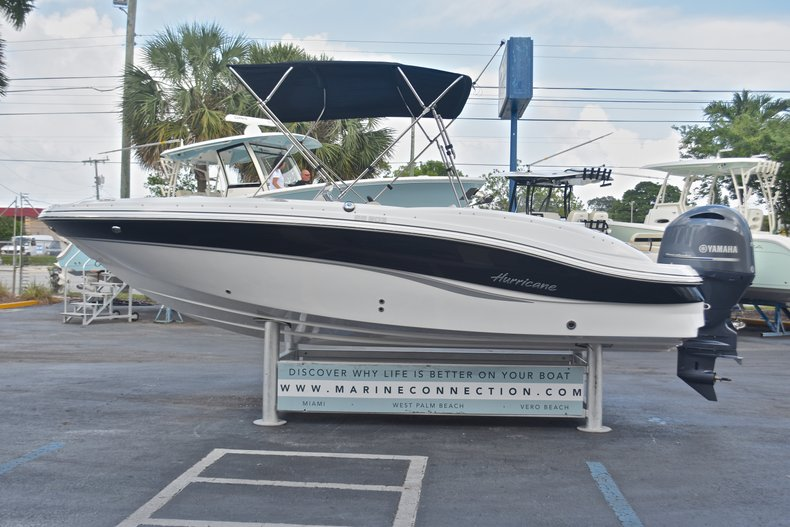Thumbnail 5 for New 2017 Hurricane 203 SunDeck Sport OB boat for sale in West Palm Beach, FL