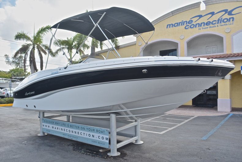 Thumbnail 2 for New 2017 Hurricane 203 SunDeck Sport OB boat for sale in West Palm Beach, FL