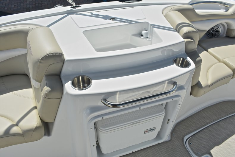 Thumbnail 35 for New 2017 Hurricane 203 SunDeck Sport OB boat for sale in West Palm Beach, FL