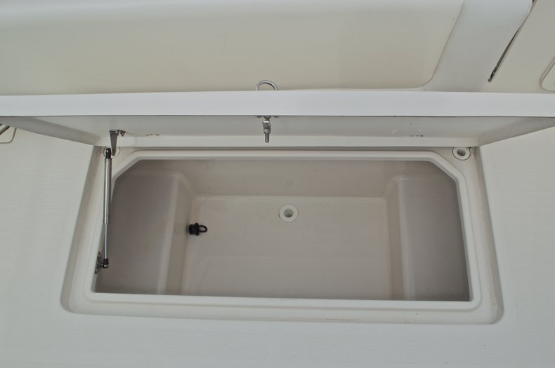 Thumbnail 16 for Used 2015 Sailfish 320 CC Center Console boat for sale in West Palm Beach, FL