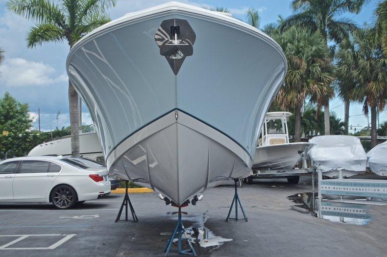 Thumbnail 7 for Used 2015 Sailfish 320 CC Center Console boat for sale in West Palm Beach, FL