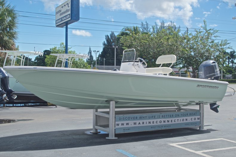 Thumbnail 3 for New 2017 Sportsman 20 Island Bay boat for sale in West Palm Beach, FL