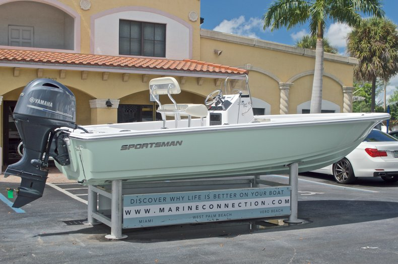 Thumbnail 7 for New 2017 Sportsman 20 Island Bay boat for sale in West Palm Beach, FL