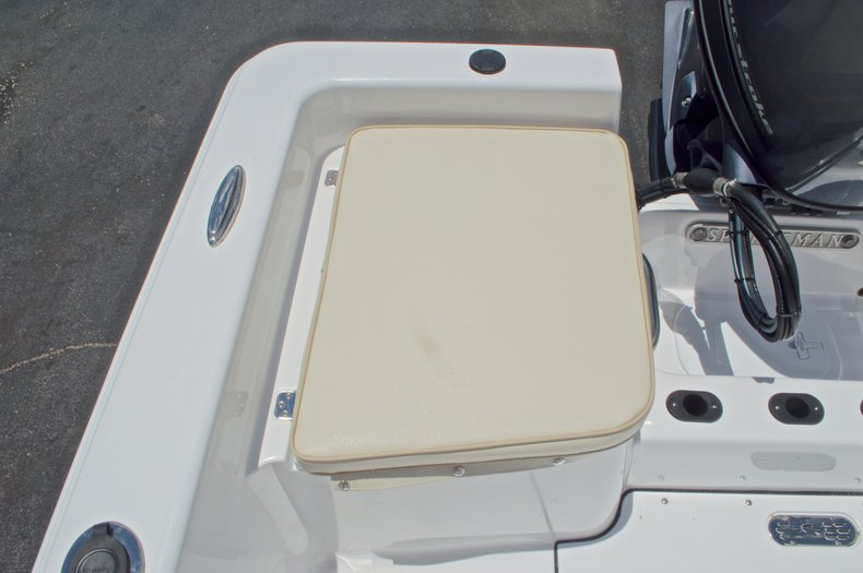 Thumbnail 12 for New 2017 Sportsman 19 Island Reef boat for sale in West Palm Beach, FL