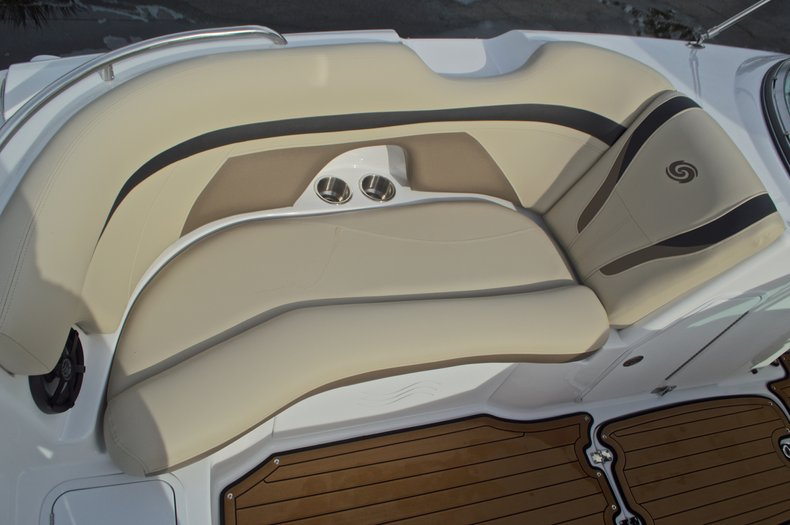 Thumbnail 52 for New 2017 Hurricane SunDeck SD 2200 DC OB boat for sale in West Palm Beach, FL
