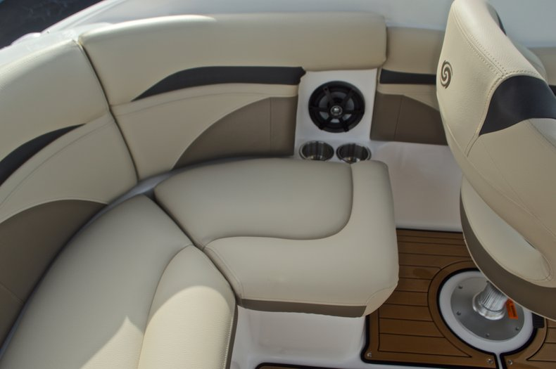 Thumbnail 28 for New 2017 Hurricane SunDeck SD 2200 DC OB boat for sale in West Palm Beach, FL