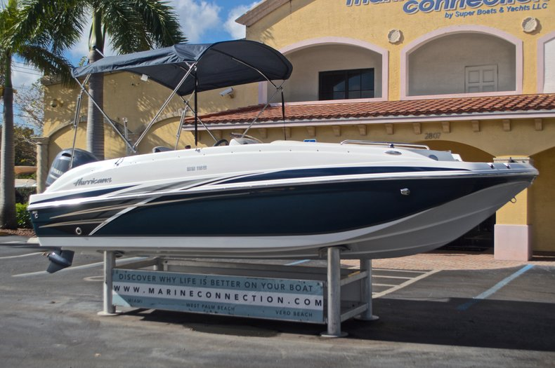 Thumbnail 1 for New 2017 Hurricane SunDeck Sport SS 188 OB boat for sale in West Palm Beach, FL