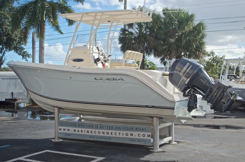 Image 5 for 2015 Cobia 201 Center Console in West Palm Beach, FL
