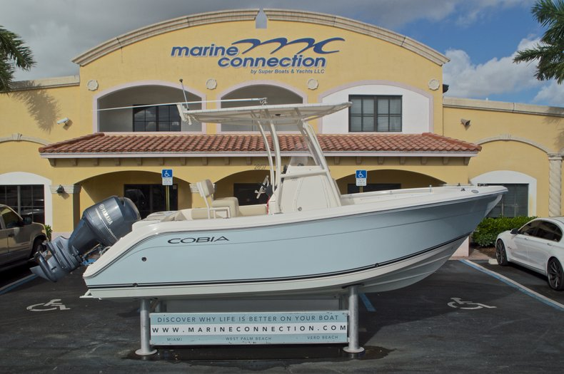 Image 0 for 2015 Cobia 201 Center Console in West Palm Beach, FL