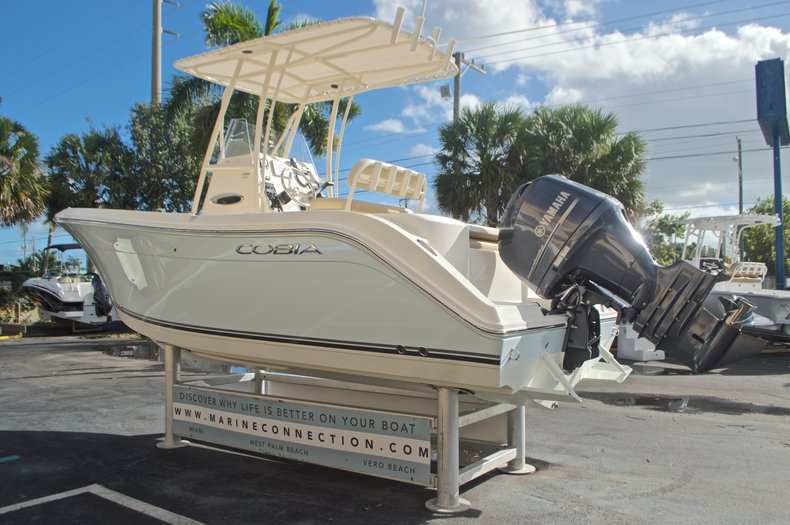 Image 6 for 2015 Cobia 201 Center Console in West Palm Beach, FL
