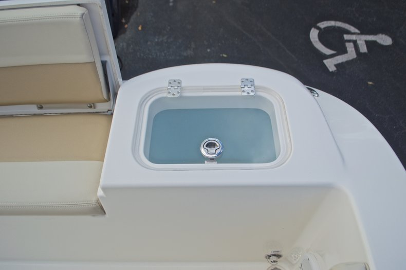Image 16 for 2015 Cobia 201 Center Console in West Palm Beach, FL