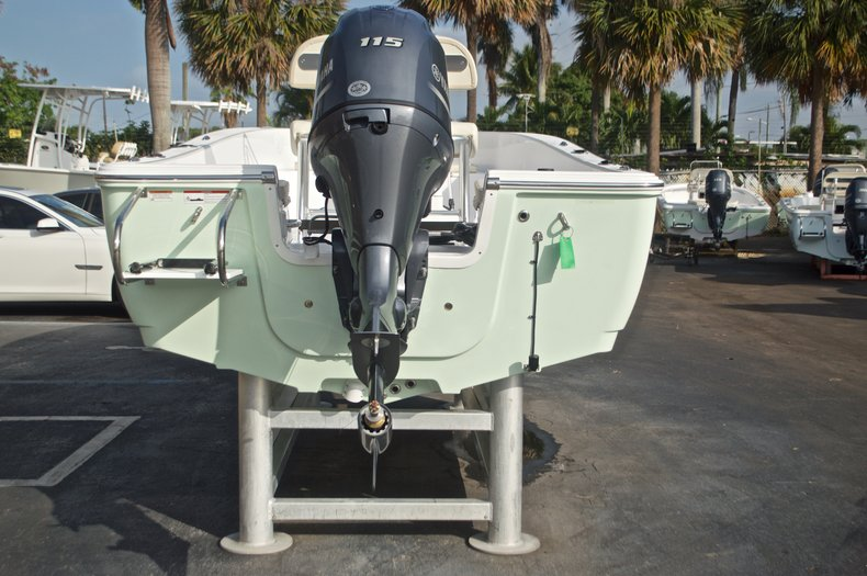 Thumbnail 6 for New 2017 Sportsman 19 Island Reef boat for sale in West Palm Beach, FL