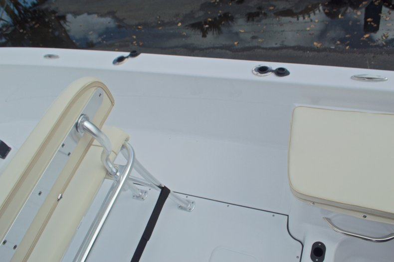 Thumbnail 16 for New 2017 Sportsman 19 Island Reef boat for sale in West Palm Beach, FL