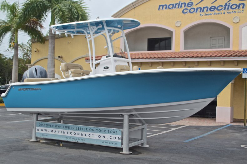 Thumbnail 1 for New 2017 Sportsman Heritage 211 Center Console boat for sale in West Palm Beach, FL