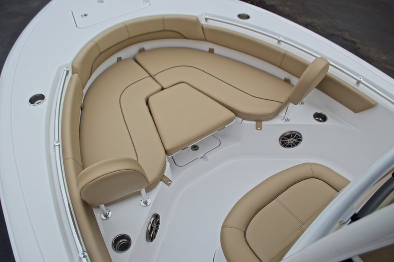 Thumbnail 41 for New 2017 Sportsman Heritage 211 Center Console boat for sale in West Palm Beach, FL