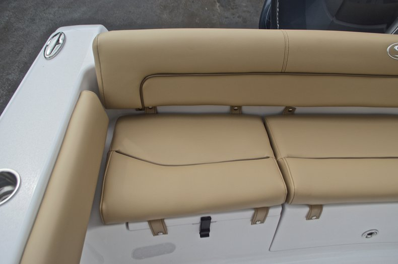 Thumbnail 12 for New 2017 Sportsman Heritage 211 Center Console boat for sale in West Palm Beach, FL
