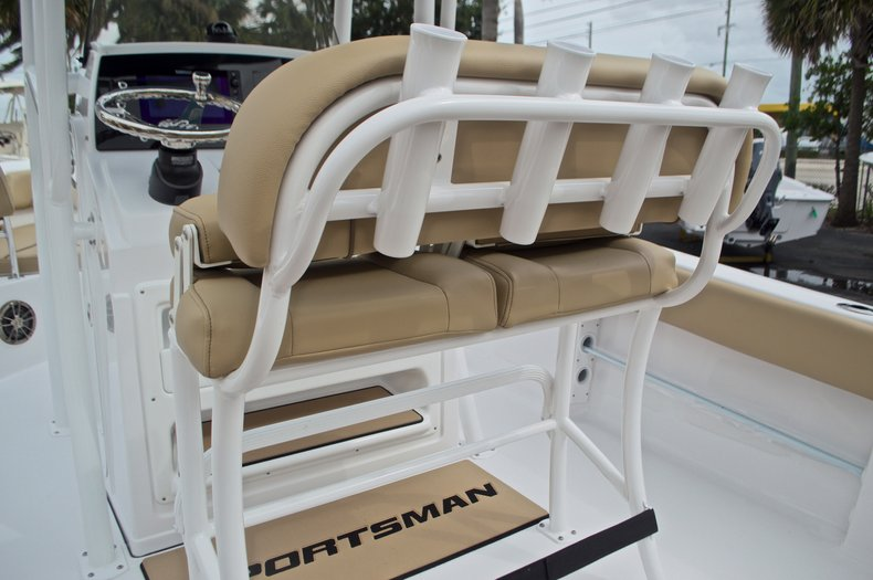 Thumbnail 21 for New 2017 Sportsman Heritage 211 Center Console boat for sale in West Palm Beach, FL