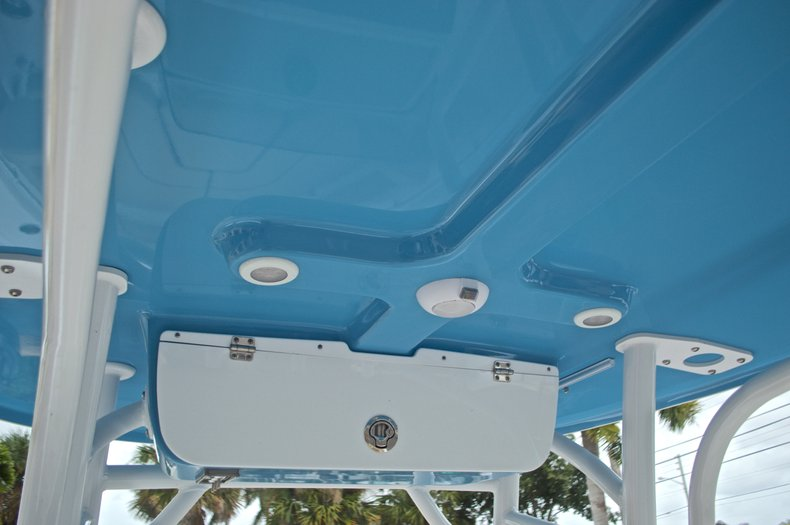 Thumbnail 36 for New 2017 Sportsman Heritage 211 Center Console boat for sale in West Palm Beach, FL