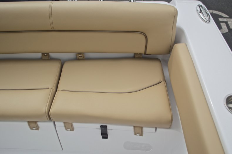 Thumbnail 16 for New 2017 Sportsman Heritage 211 Center Console boat for sale in West Palm Beach, FL