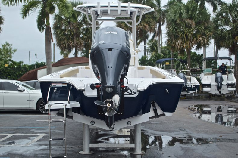 Thumbnail 8 for New 2017 Sportsman Masters 267 Bay Boat boat for sale in West Palm Beach, FL