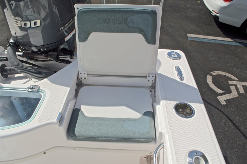 Image 21 for 2014 Everglades 243 Center Console in West Palm Beach, FL