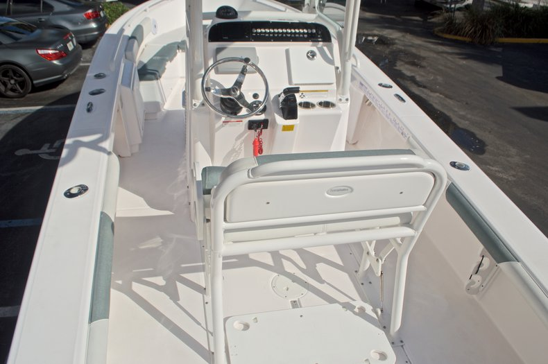 Image 10 for 2014 Everglades 243 Center Console in West Palm Beach, FL