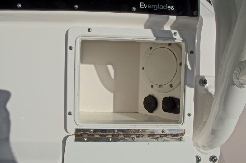Image 35 for 2014 Everglades 243 Center Console in West Palm Beach, FL