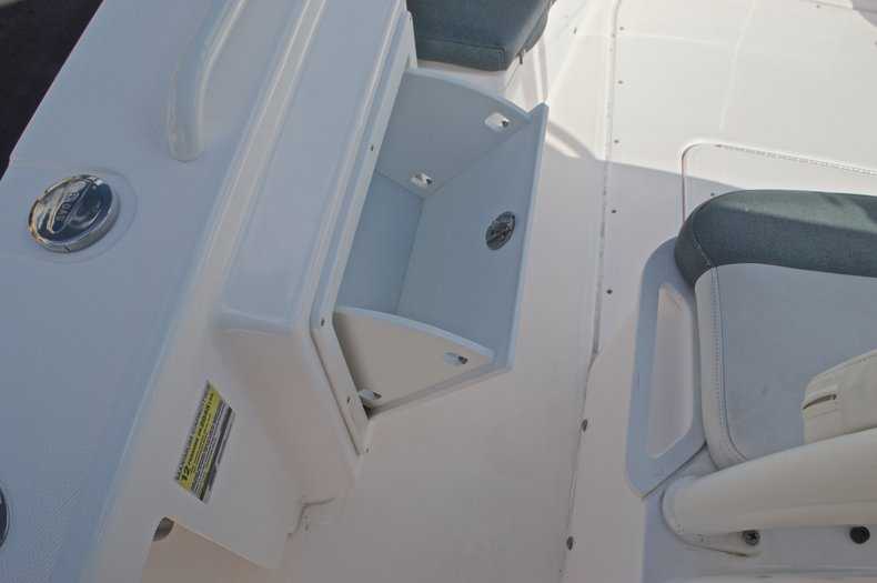 Image 47 for 2014 Everglades 243 Center Console in West Palm Beach, FL