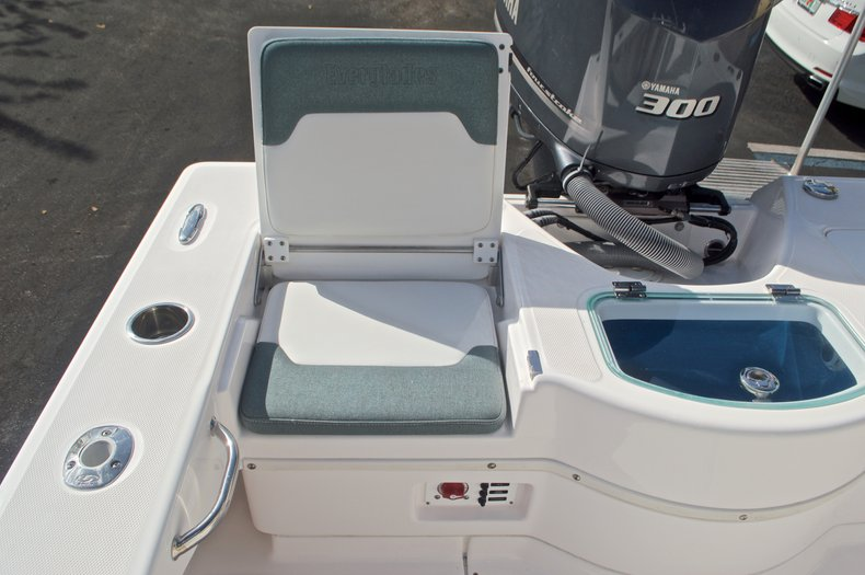Image 16 for 2014 Everglades 243 Center Console in West Palm Beach, FL