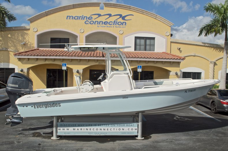 Image 0 for 2014 Everglades 243 Center Console in West Palm Beach, FL